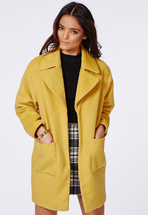 Как стильно сочетать палантин с пальто в 2019 году