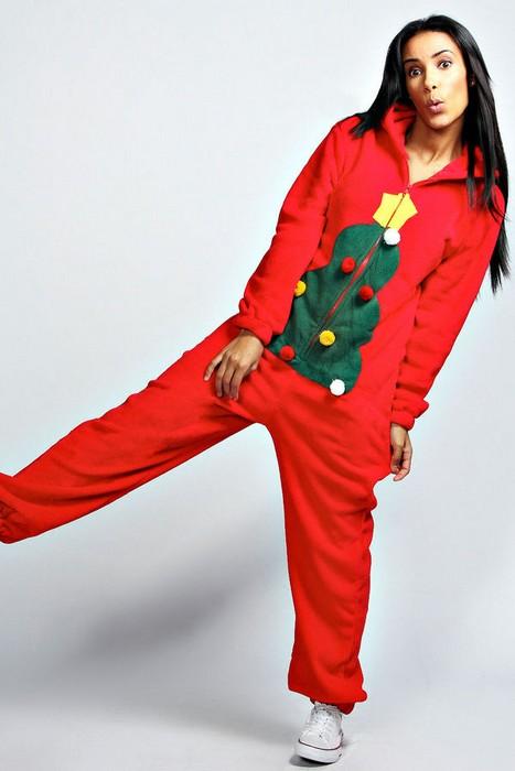 Каждый зимний сезон актуальна пижама с новогодним принтом. Согреет морозным  вечером 5a23fa9eceda3