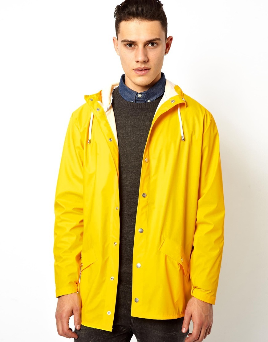 ... стандартными плащами и куртками однотонных расцветок 5e36024c1eeb8