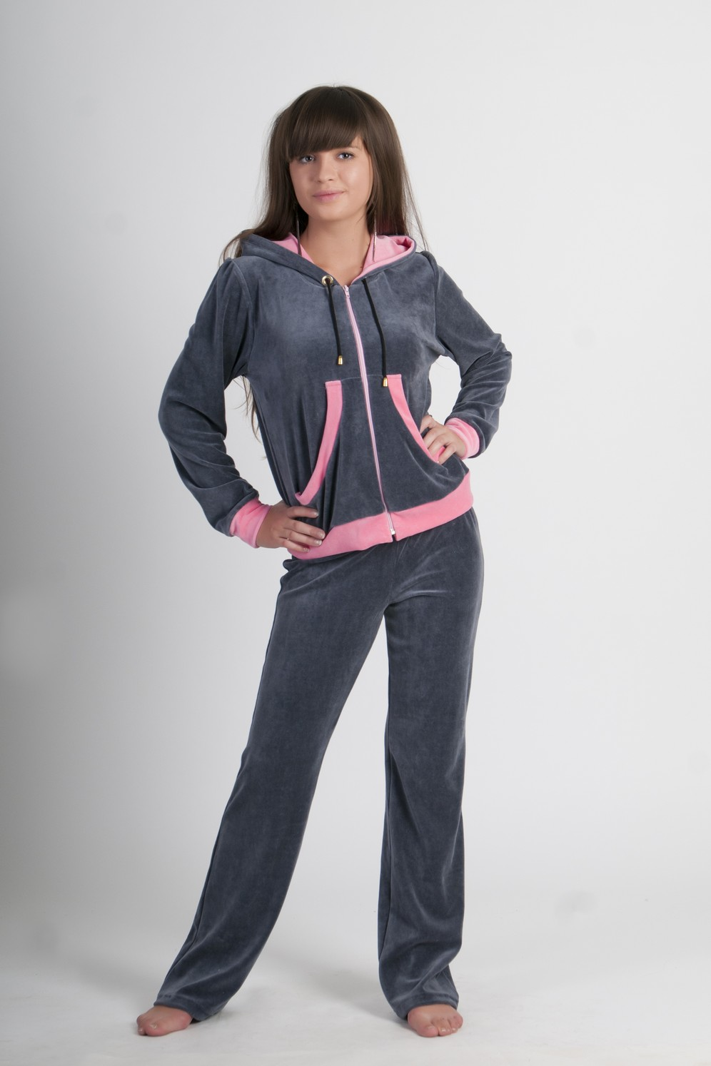Велюровые женские спортивные костюмы (65 фото): брендовые костюмы из велюра и из Турции, больших размеров со стразами, черные 832