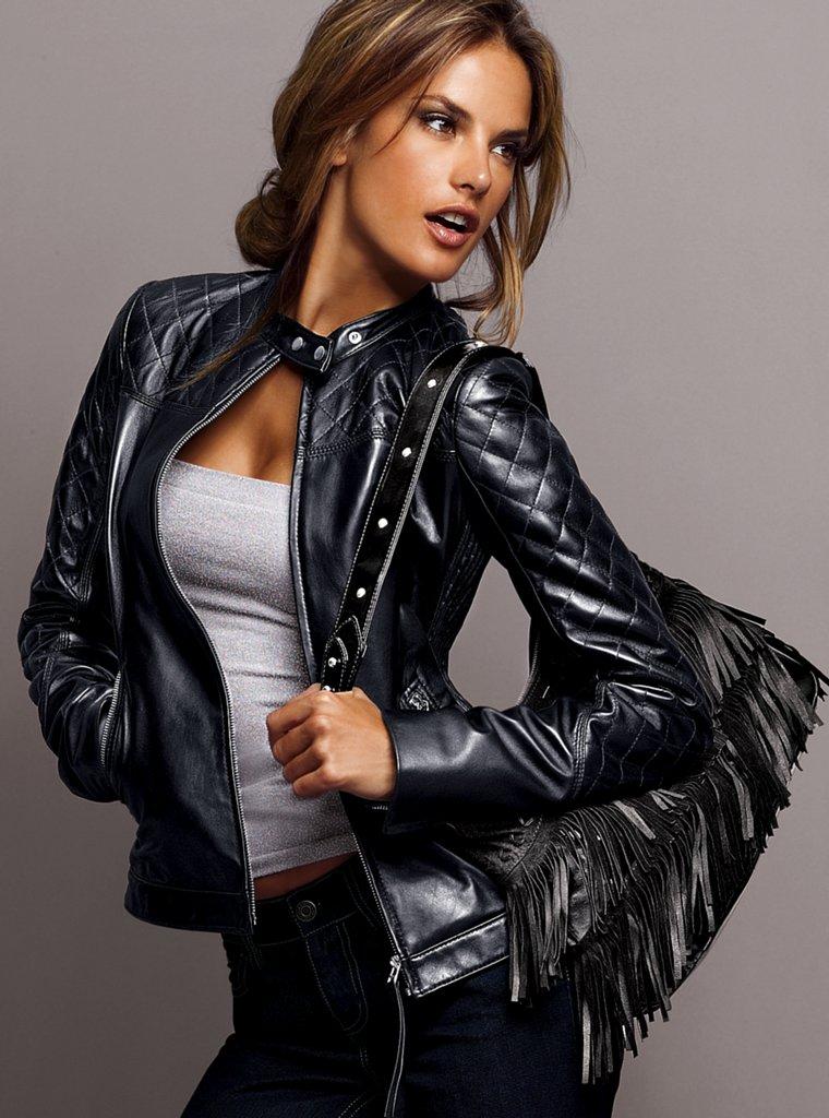 3deb246b35e Женская кожаная куртка-бомбер (38 фото)  с кожаными рукавами