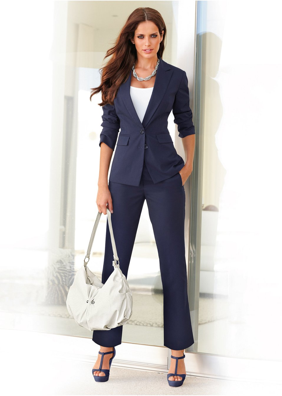 Офисный брючный костюм женский 198