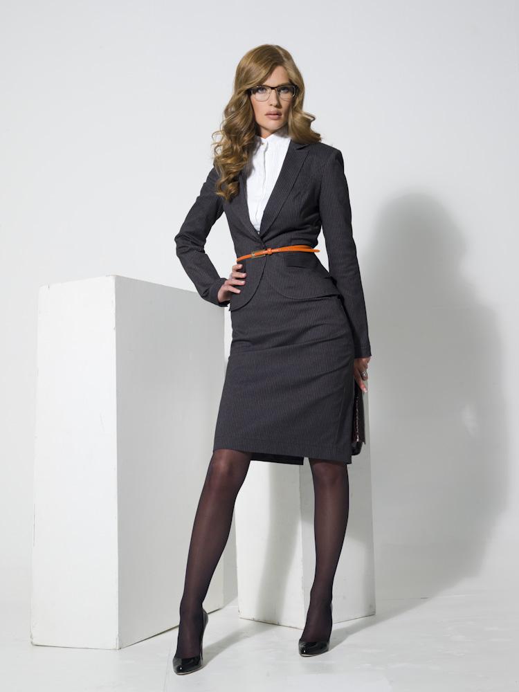 ab9d9aa0582 Женский костюм для офиса (69 фото)  стильный офисный для женщин больших  размеров