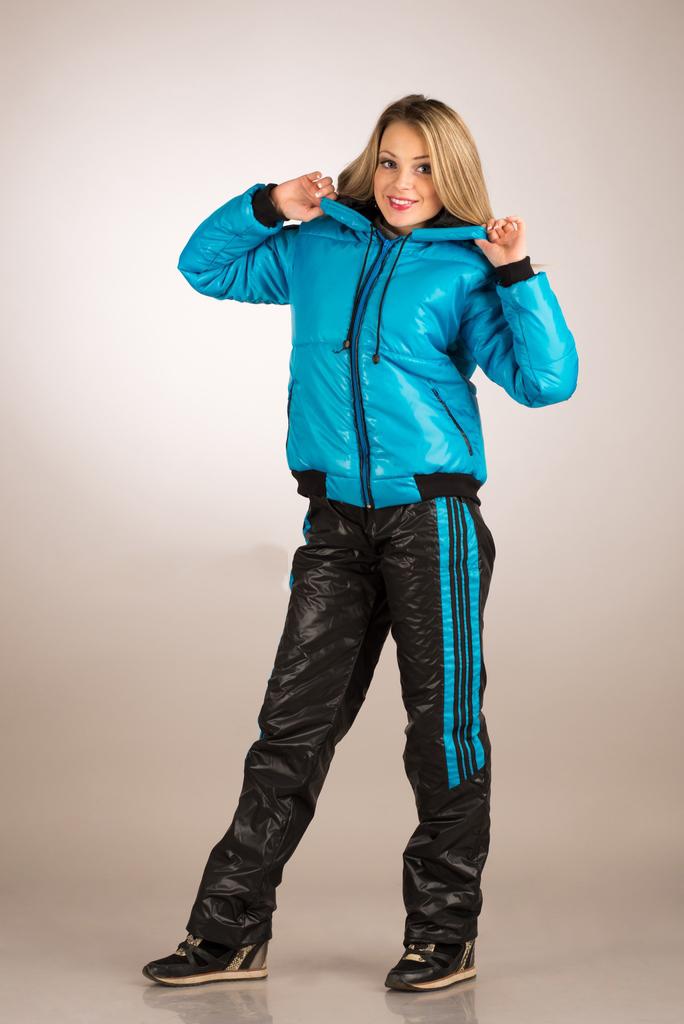 9a84d682ab4f Зимние спортивные костюмы (63 фото)  женские и для детей на ...