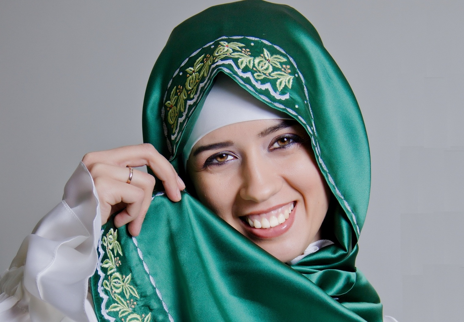 alverda muslim girl personals The problem with dating as a muslim woman is almost always one of culture than religion having tried the 'marriage experiment' once, i know that religion doesn't play a role in the day-to.