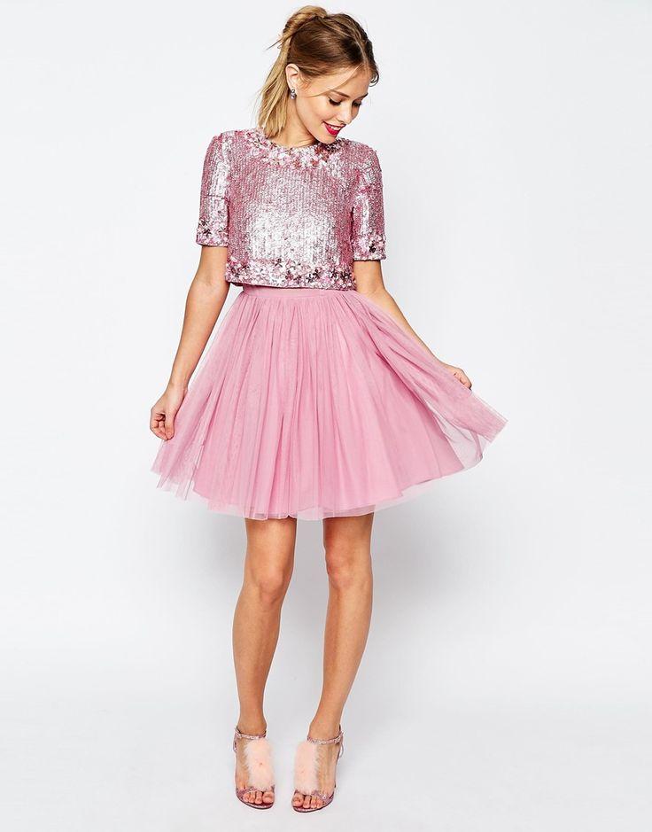 Сиренево-розовое платье
