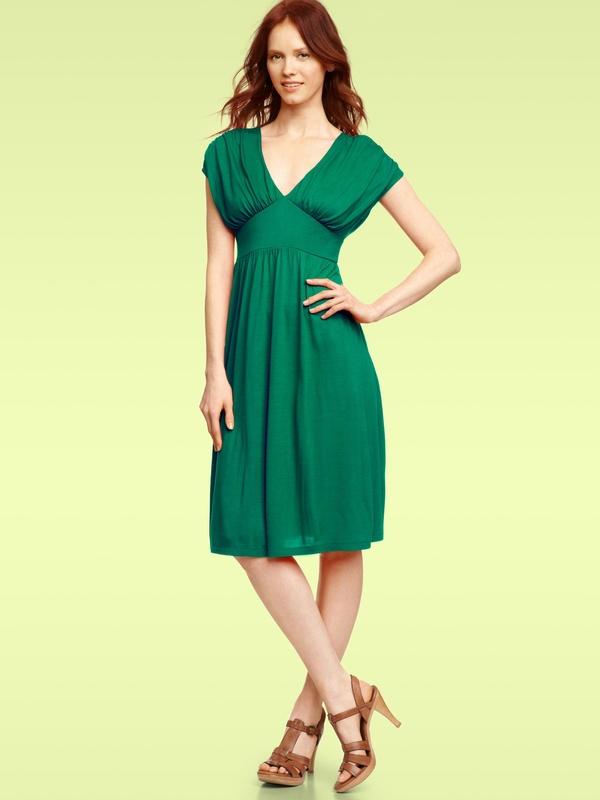 Какие туфли подойдут в зеленому платью