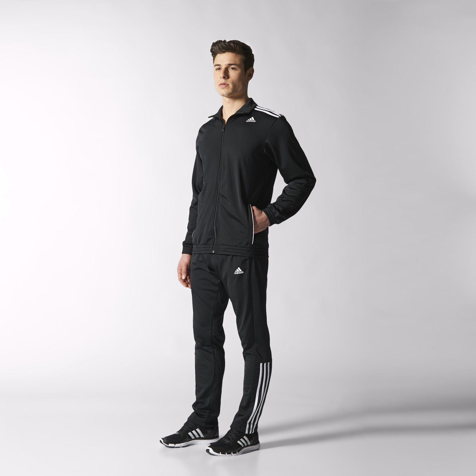 Под этим лейблом выпускается огромный ассортимент всевозможных моделей  одежды в спортивном стиле. Наиболее широким спросом пользуются костюмы от  Adidas. d563c010464