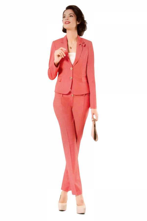 Торжественный костюм женский