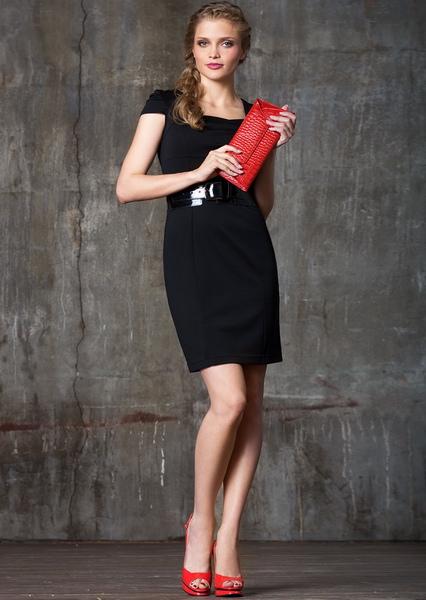 13c13ff96f29 Красные туфли и черное платье (56 фото)  какие колготки и аксессуары ...