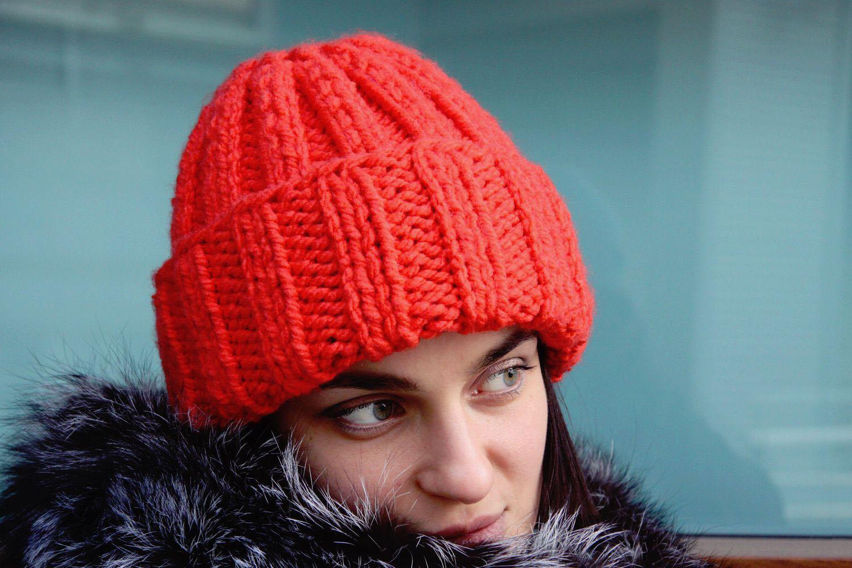 Вязание спицами женские шапочки с отворотом