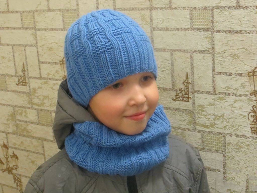 Вязание спицами шапка и снуд для мальчика