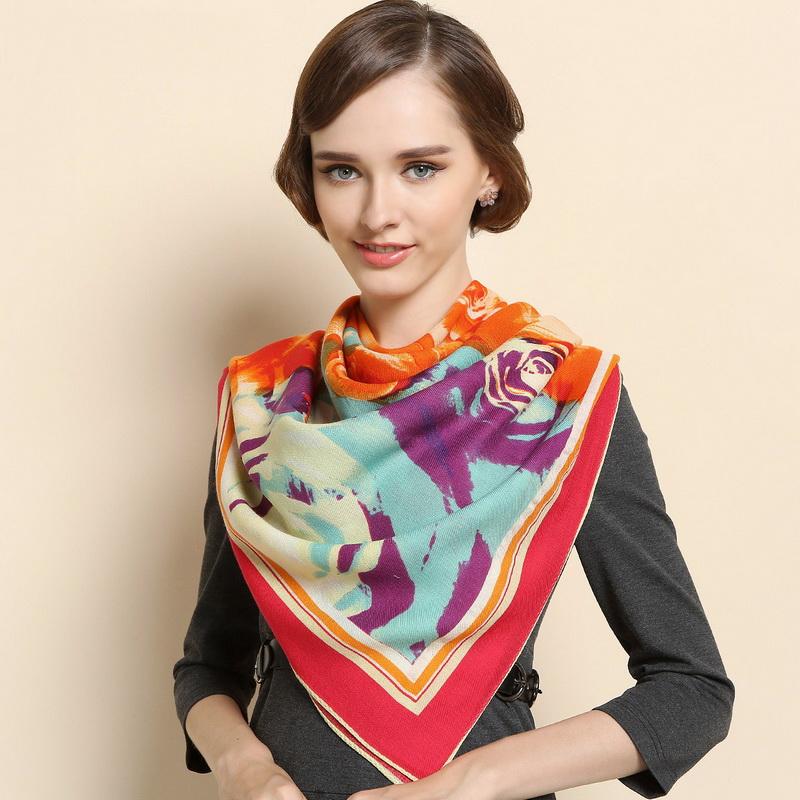 Шерстяной шарф и его разновдиности