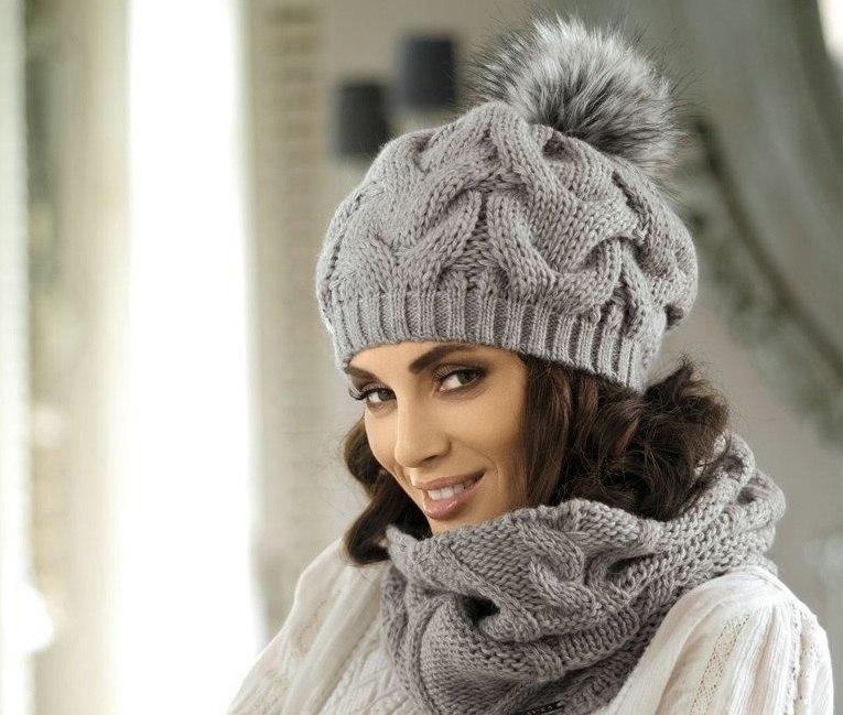Женские вязанные шапки на спицах фото и
