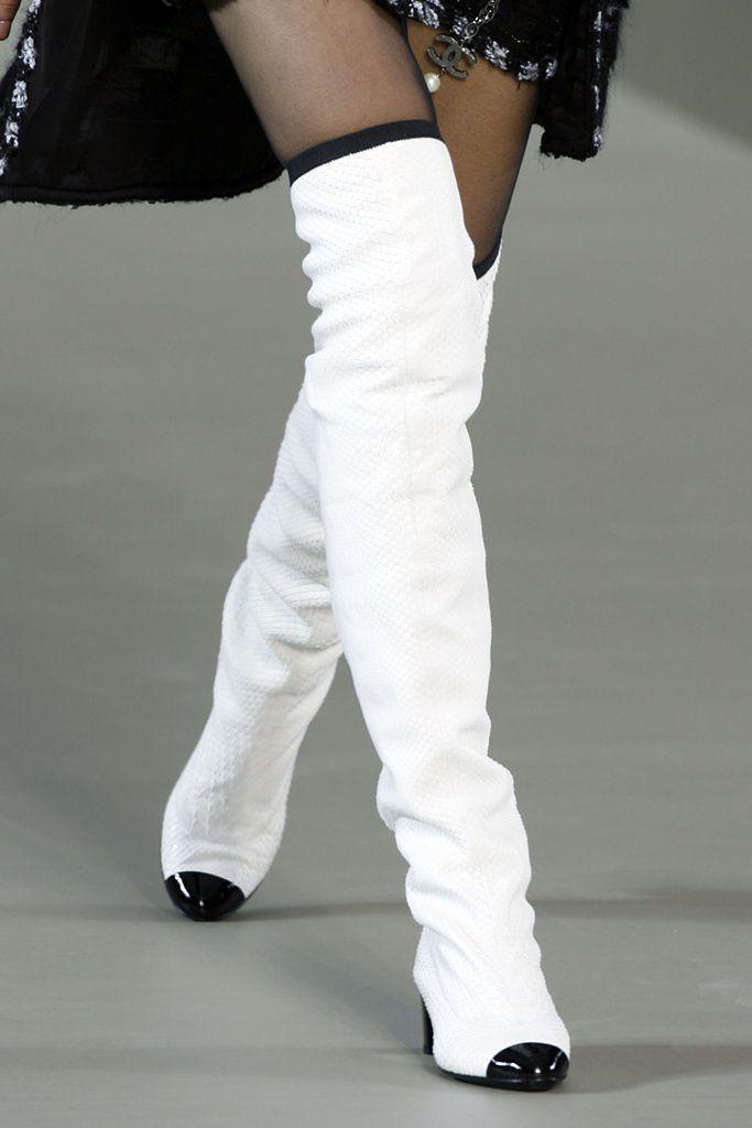 97c433e91ff9 Белые ботфорты (31 фото)  с чем носить зимние сапоги и кеды-ботфорты ...