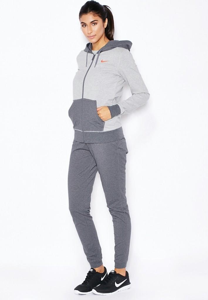 фото женщины носят колготки без трусов