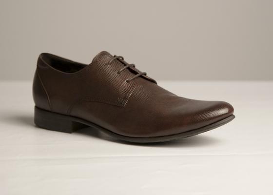 e3ac6838759b Модельный ряд обуви Chester разнообразен  здесь легко отыскать классические  сапоги на каблуке или без актуальной формы и цветовой гаммы, найдутся  офисные ...