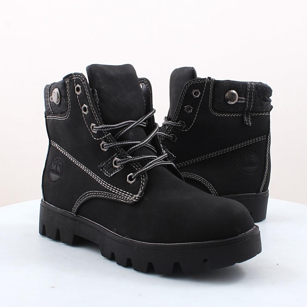 048ca8dde Женские утепленные модели встречаются в основном на низком каблуке с  подошвой из резины; такие ботинки могут иметь декоративную меховую отделку  или быть ...