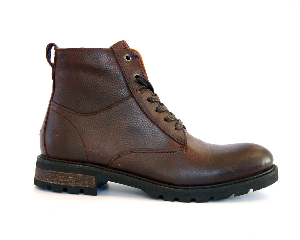 Изнутри зимние модели ботинок утеплены овчиной или другим натуральным  мехом. Удобная колодка позволяет прогуливаться в данной обуви в течение  долгого ... 4259328088119