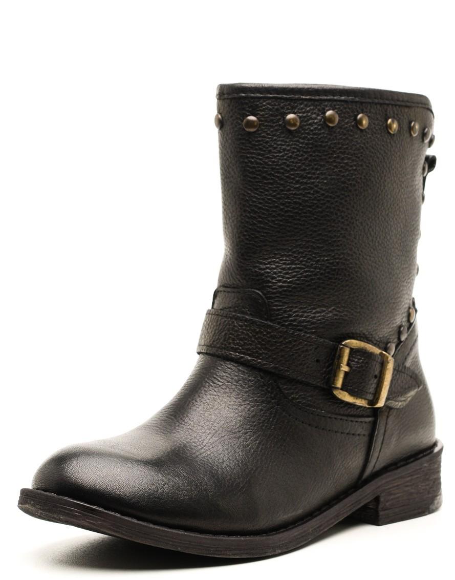 135672448 Производители предусмотрели, чтобы в данных сапогах было комфортно и  удобно. Подкладкой для таких сапог выступает мех, что позволяет ногам быть  в тепле ...