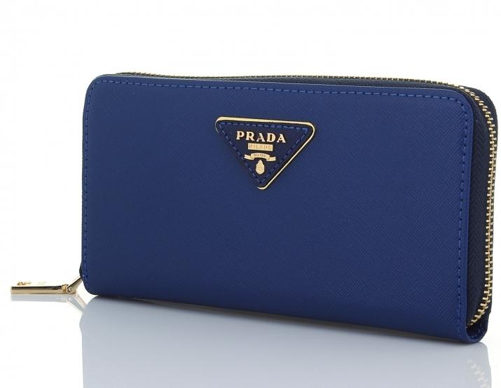 dafe180fef4c Успех бренда во многом связан и с исключительным качеством его изделий.  Так, аксессуары марки Prada изготавливаются только из натуральной кожи и с  ...