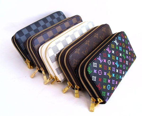 e91daf87e02c Французский модный дом Louis Vuitton выпускает узнаваемые во всем мире  кожаные сумки и кошельки, дорожные чемоданы и стильные аксессуары под  одноименной ...
