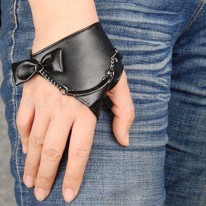 Кожаная перчатка без пальцев своими руками
