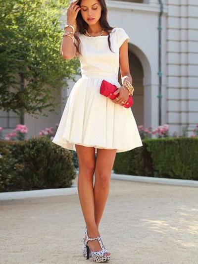 Как носить клатч с платьем