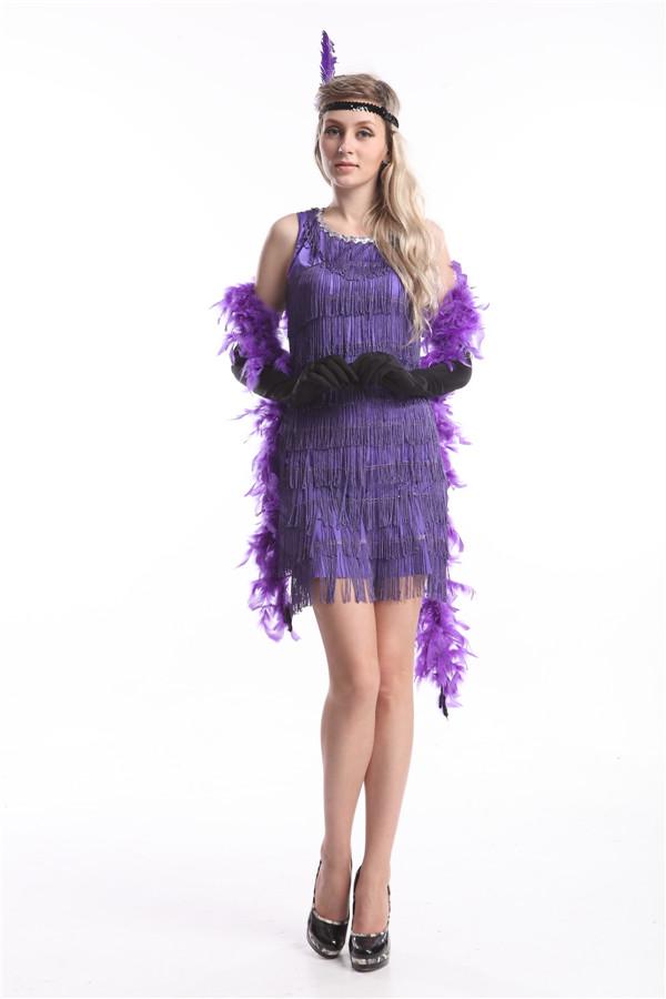 Прежде всего, в моду вошли платья свободного кроя. Они не подчеркивали  женственность фигуры, а акцент сместился с талии на бедра. Теперь платья  дополняли не ... f9ad7a6fa4c