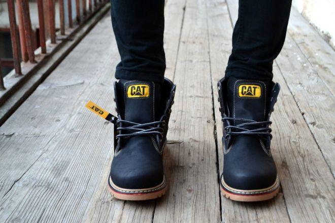 640bf7106 Встречаются утепленные модели зимних мужских ботинок caterpillar: внутри  них используется микрофибра, внешняя часть выполнена из натуральной кожи с  ...