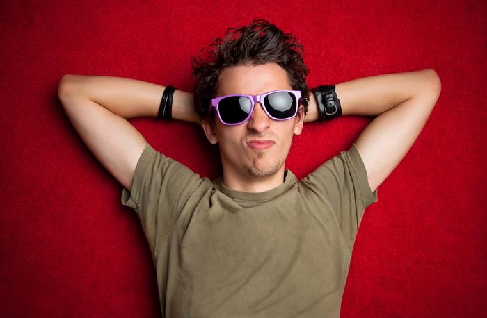 Показать всех порней мальчиков в очках на фотках