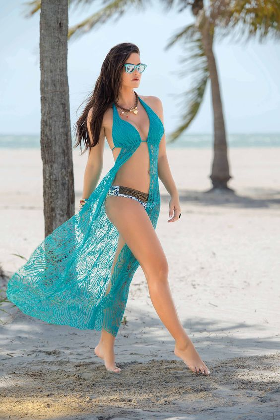 bb37f8707c10b В создании такой одежды, как накидка на купальник, дизайнеры стараются  учитывать множество нюансов. Вещь должна быть не только красивой и хорошо  смотреться ...