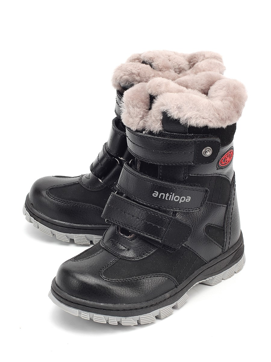e712bd169 Сапоги для мальчиков в основном выполнены в черном или темно-синем цвете.  Обувь очень комфортна за счет использования натуральных материалов (мех и  кожа).