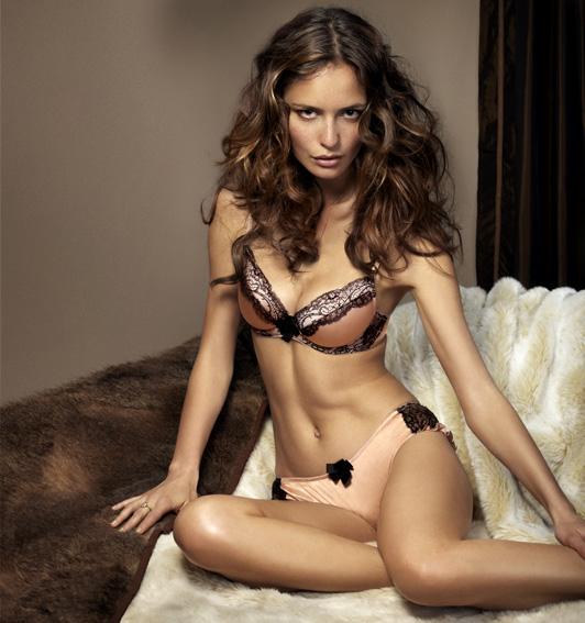 d5a434a156bf Шелковое женское нижнее белье (32 фото): модели больших размеров ...