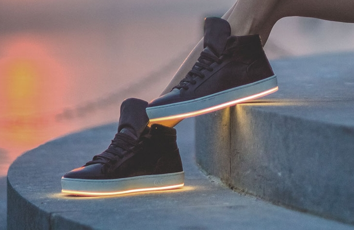 Как сделать светящейся кроссовки