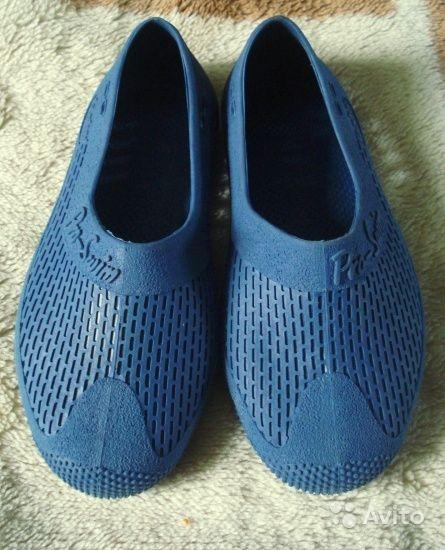 Встречается специальная закрытая обувь из резины для купания в море   опытные туристы отмечают, что в Египте, например, она необходима для того,  ... 85997ed839a