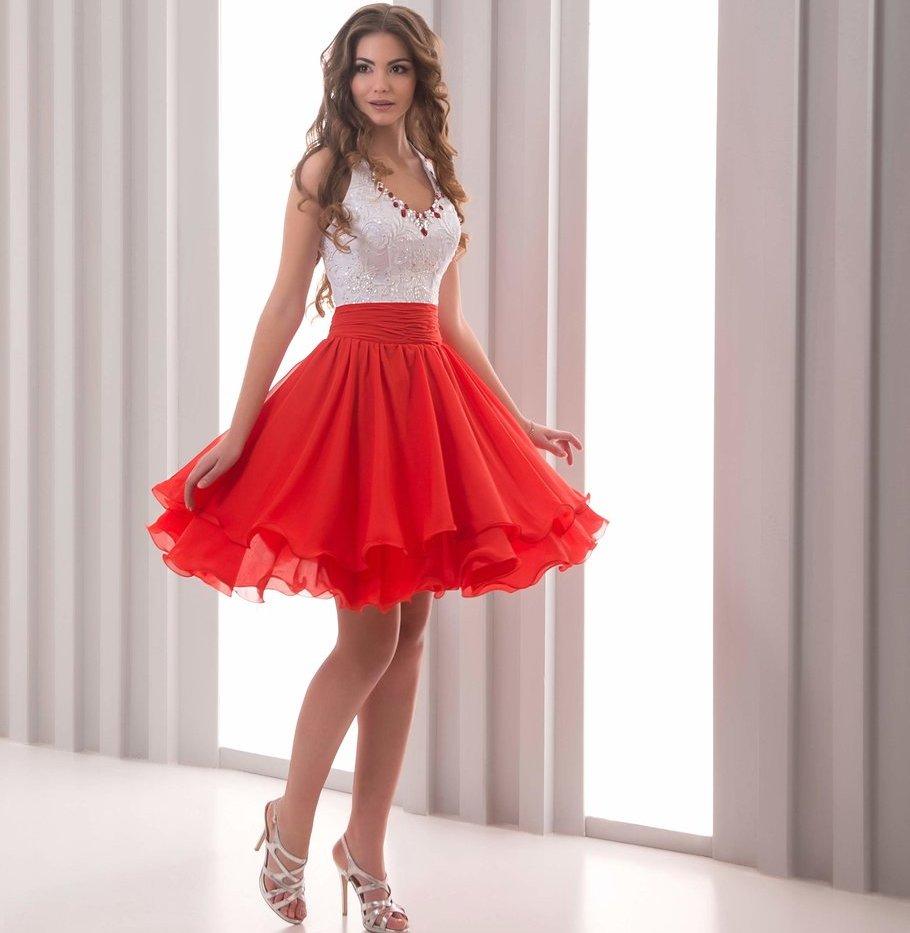 фото короткое платье с открытой спиной