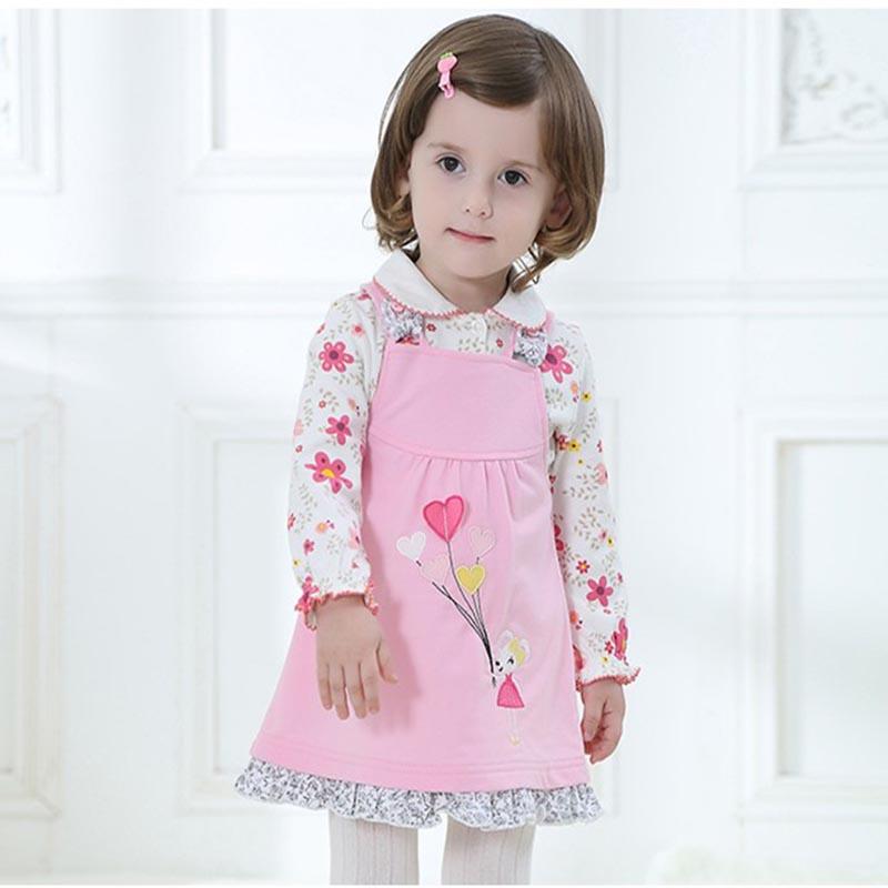 8f635fac9279 Не имеет собственного сайта и не продается через Интернет. Производство  российское, но изготовление тканей и пошив одежды также осуществляется в  Китае и ...