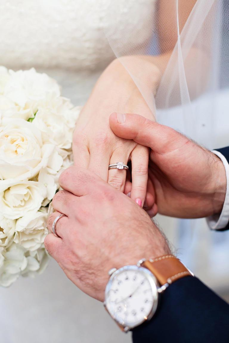 Кольца до свадьбы нельзя