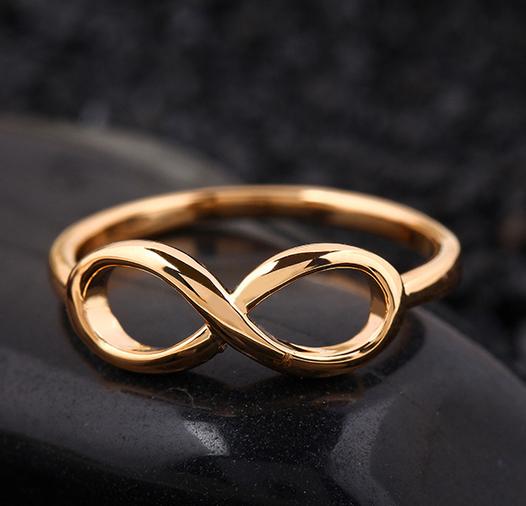 подарить кольцо со знаком бесконечность