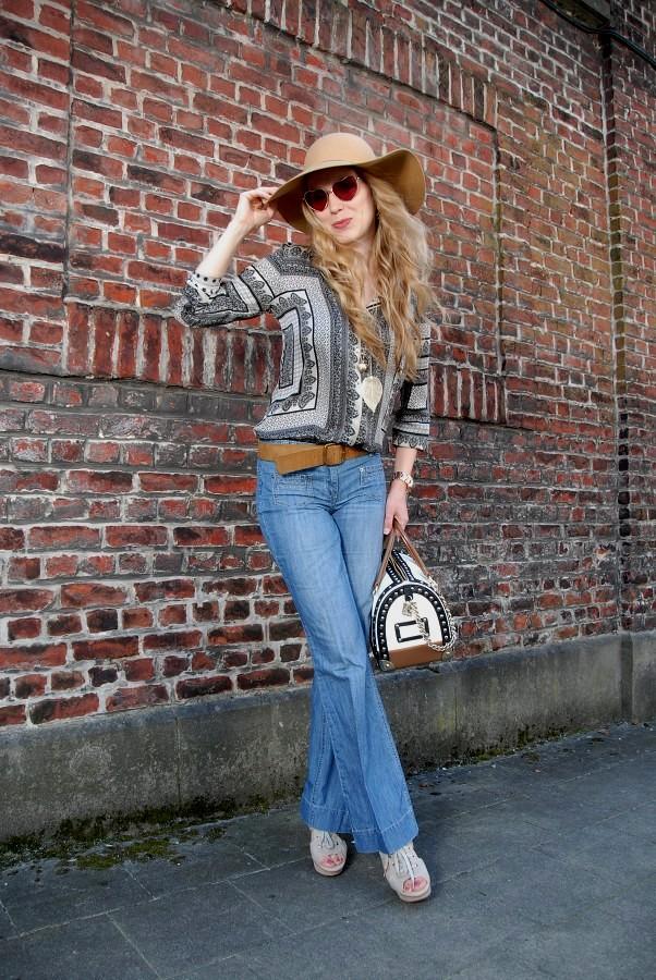 Купить женские сумки Furla в интернет-магазине