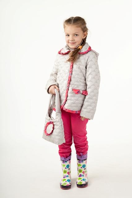 5227bfce8b0f Перед тем, как идти в магазин за обновкой для дочки, следует определиться с  самыми важными критериями выбора верхней одежды. А именно