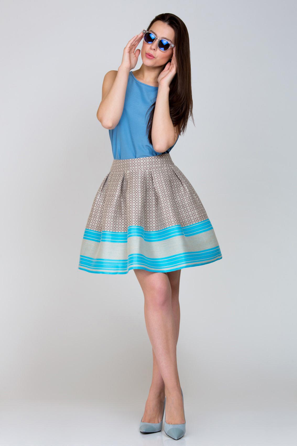 fe6eab44e Женскую одежду Emka Fashion выбирают яркие, молодые, активные, амбициозные  девушки. Вещи этой фирмы отличаются колоритом и стилем, дарят позитив и  помогают ...