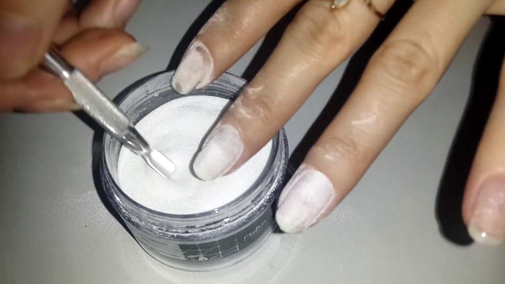Укрепление ногтей акриловой пудрой перед гель лаком