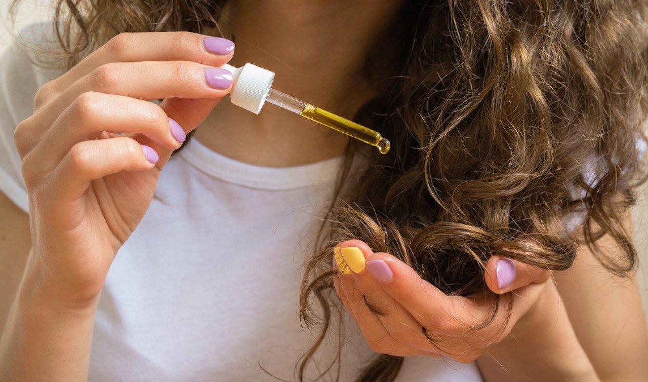 30 способов использования оливкового масла  Maslo-amly-dlya-volos-7