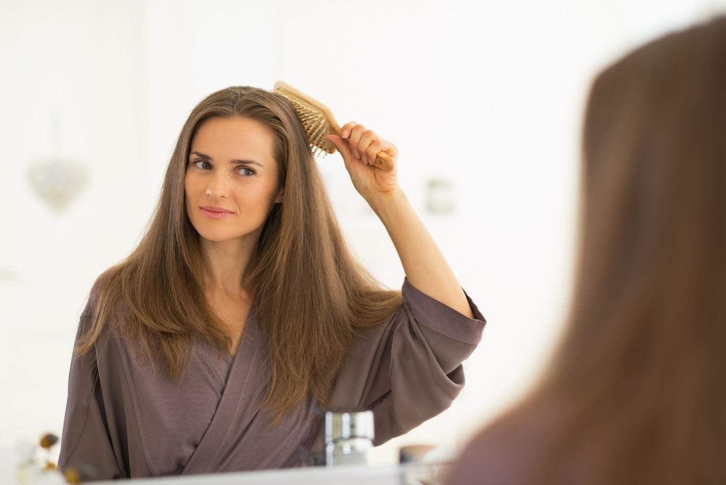 Как выпутать расческу из волос