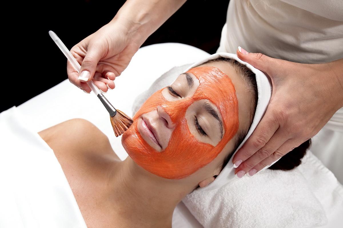 Морковные маски для лица