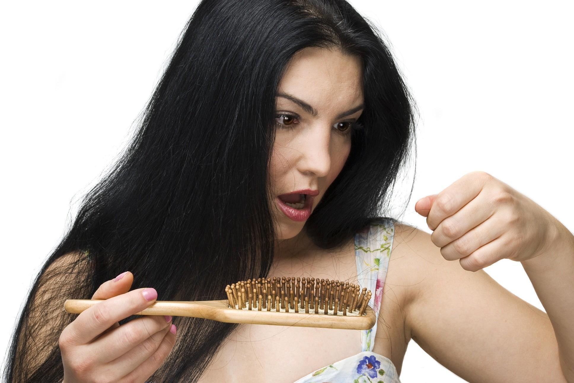 стрижки на средние волосы в 45 круглое лицо