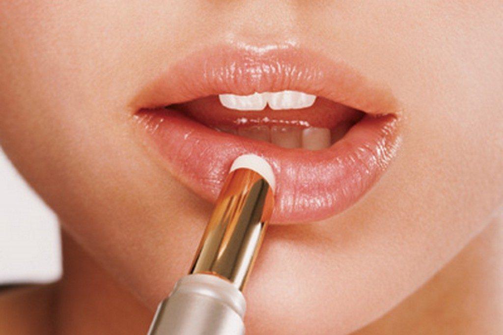 Что сделать чтобы губы не сохли