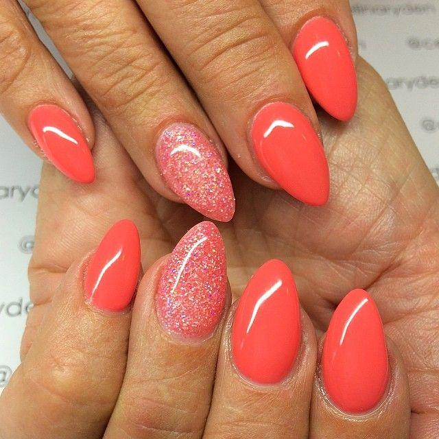 Коралловый цвет ногтей шеллак